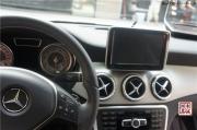 石家庄奔驰GLA200原厂升级大屏幕,倒车影像