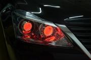 湖南长沙丰田新皇冠改灯德国海拉5双光透镜骚红LED恶魔眼