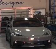 特斯拉Model S改装车身套件酷似战斗机