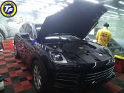 划痕伤漆又伤心?保时捷卡宴施工龙膜G2漆面保护膜-保护车漆不受损。