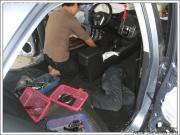 福瑞迪改装全车隔音+惠威喇叭+防虫网作业