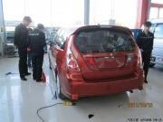 红色利亚纳贴膜+倒车雷达+发动机护板+底盘装甲作业