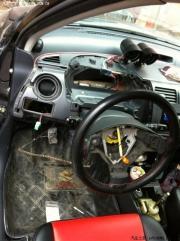 雨燕改装驾驶室.气囊.排挡杆.手缝方向盘套等作业