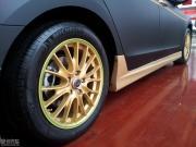 超级酷毙的雅阁改装亚光黑+金色碳纤贴纸+金色轮毂+包围