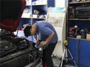 深圳奔驰C200旅行款大灯加装G35双光透镜