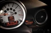 美国P3Cars为 Mini Cooper发布多功能出风口仪表