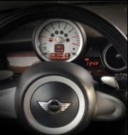 美国P3Cars发布Mini Cooper多功能出风口仪表