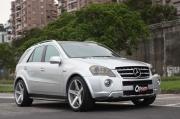 高级柴油移动皇宫 M.Benz ML63